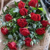 Traditional Dozen Roses